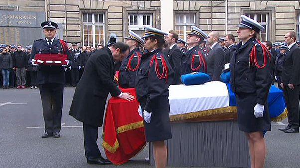 В Париже простились с погибшими полицейскими