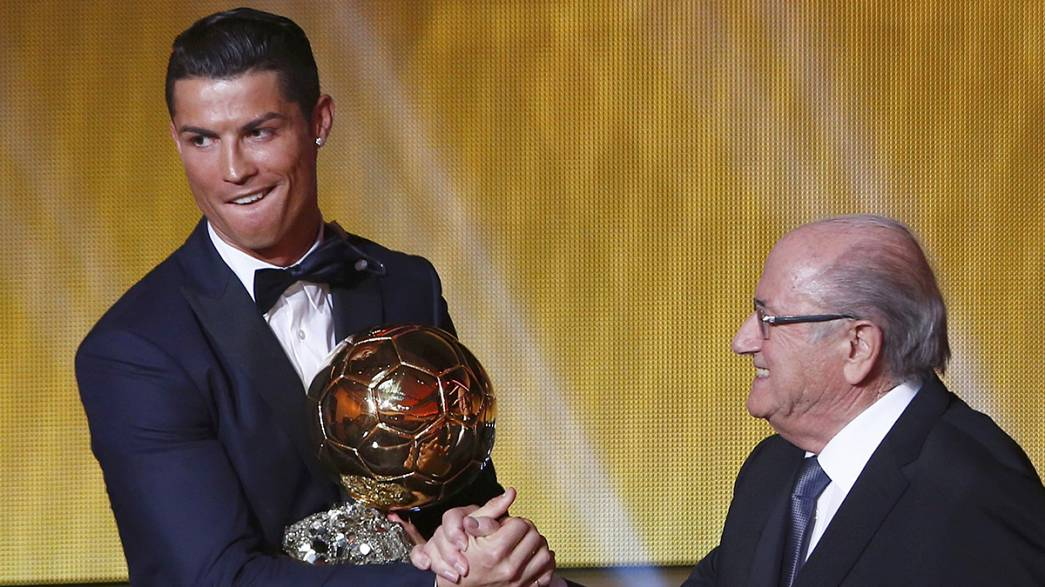 Cristiano vence a Blatter y Platini