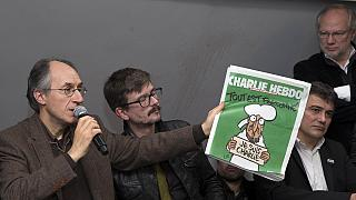 """Франция: """"Шарли Эбдо"""" выходит трехмиллионным тиражом"""