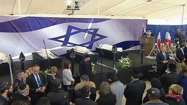 Douleur et recueillement aux obsèques des victimes juives de l'attentant de Vincennes