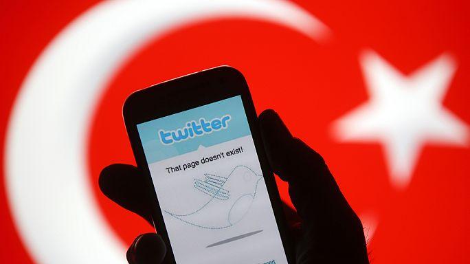 Twitter ve Facebook için engelleme kararı