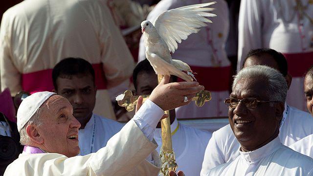 Pope Francis in Sri Lanka denounces 'evil' civil war