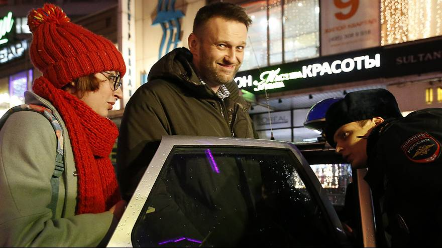 Kremlin critic Navalny detained by Moscow police for breaking house arrest terms