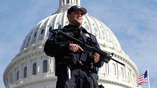 FBI detém homem acusado de preparar atentado contra Capitólio