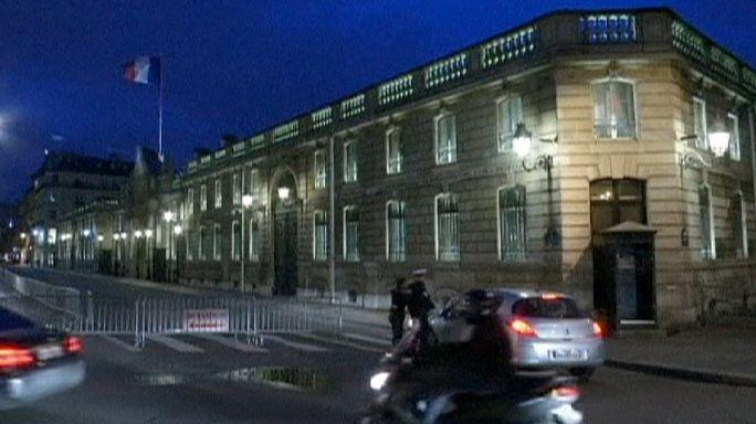 Paris'teki Elysee Sarayı önünde bir polis yaralandı