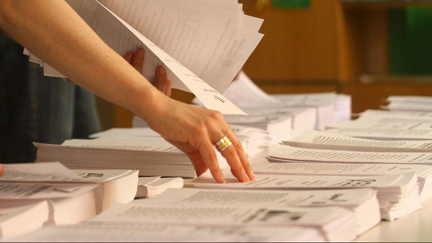 Εκλογές 2015: Ποια κόμματα «κατεβαίνουν» στις εκλογές και ποιες οι χρηματοδοτήσεις τους