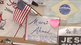 Homenagens junto ao Charlie Hebdo