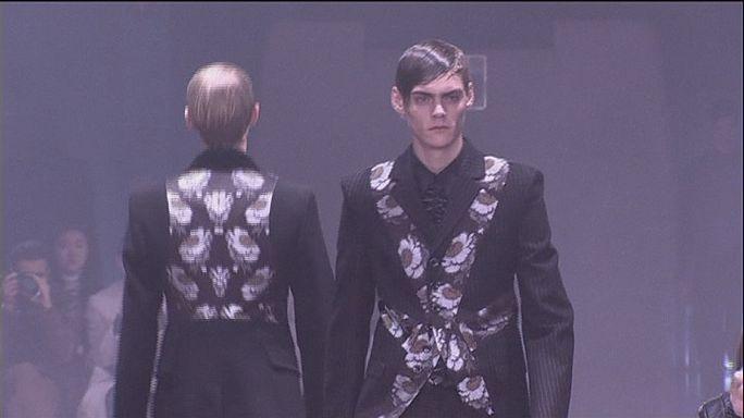 تشكيلات مميزة لبربري وألكسندر ماكوين في أسبوع الموضة الرجالي بلندن