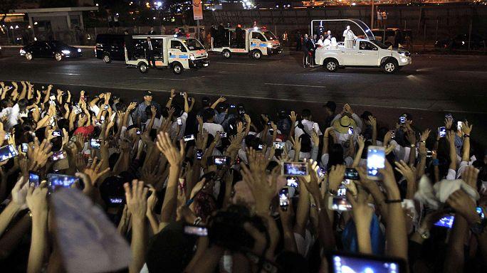 بابا الفاتيكان يزور الفليبين