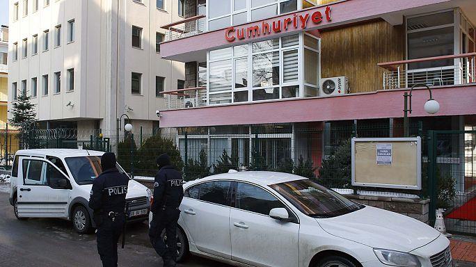 Başbakan Davutoğlu Brüksel'de hassas konulara değinmedi