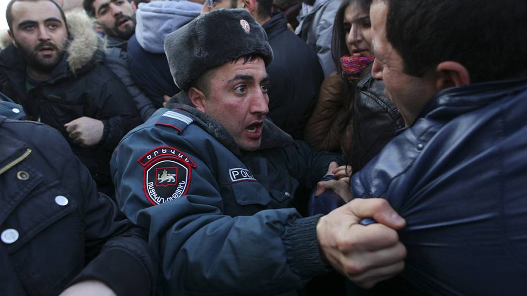 Protests in Armenia over Russian soldier suspected in family killings