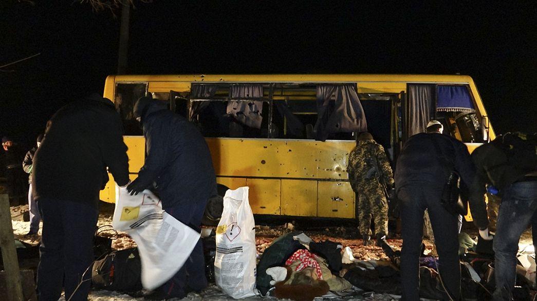 Bus colpito in Ucraina: droni dell'Osce alla ricerca di indizi