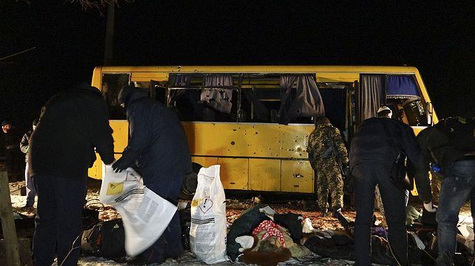 Egymást vádolják a civilek haláláért Kijev és a szakadárok