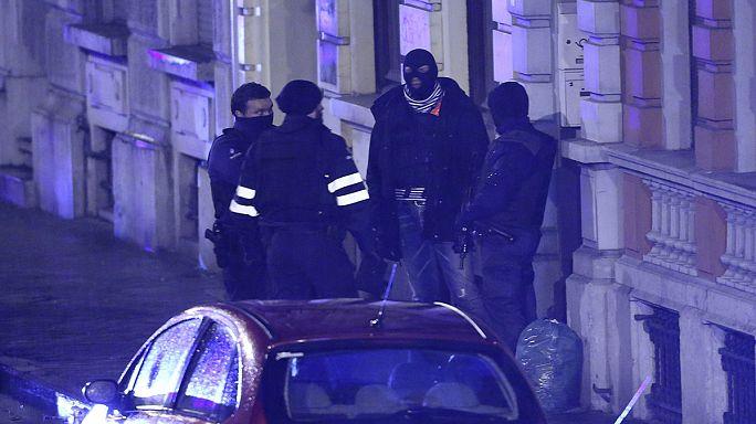 الشرطة البلجيكية تداهم خلية جهاديين عائدين من سوريا .