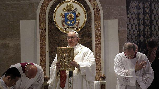 Ferenc pápa: a politikai vezetők ne legyenek korruptak