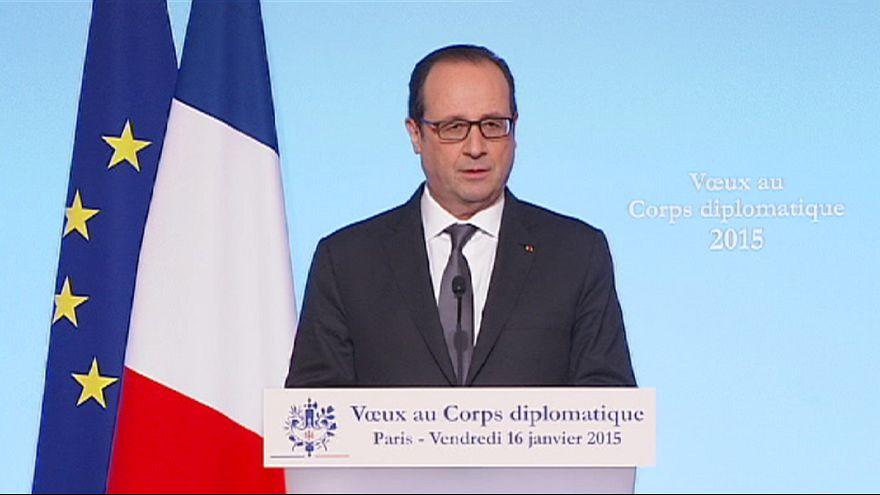 Francia, Hollande ai diplomatici stranieri: contro il terrorismo serve una risposta collettiva