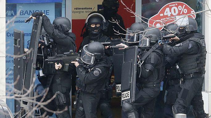 Doce detenidos en Francia por los ataques yihadistas de la semana pasada