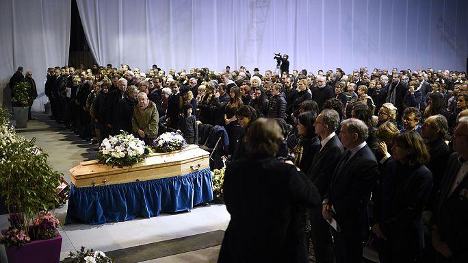 Eltemették a Charlie Hebdo főszerkesztőjét és két munkatársát