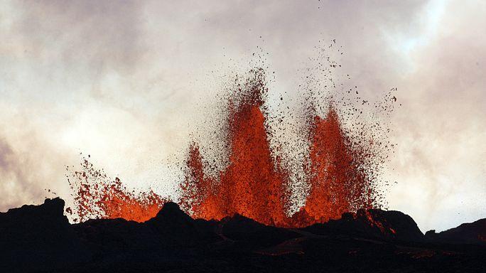 بركان ثائر في ارخبيل تونغا يشكل جزيرة جديدة