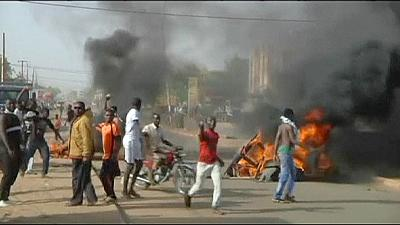 Charlie Hebdo: in Niger chiese incendiate. Proteste anti-Charlie