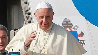 Papa'dan Charlie Hebdo'ya tepki