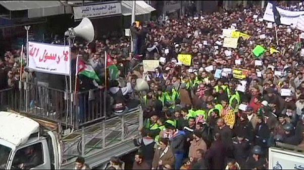 """Jordanien: Demonstration gegen neue Ausgabe von """"Charlie Hebdo"""""""