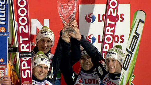 Прыжки с трамплина на лыжах, Кубок мира: Германия выиграла командные соревнования, Россия - в восьмерке лучших