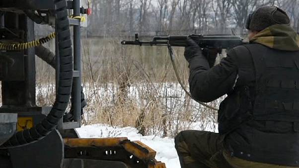 Ukrayna'nın doğusundaki çatışmalarda Donetsk Havaalanı hedefte
