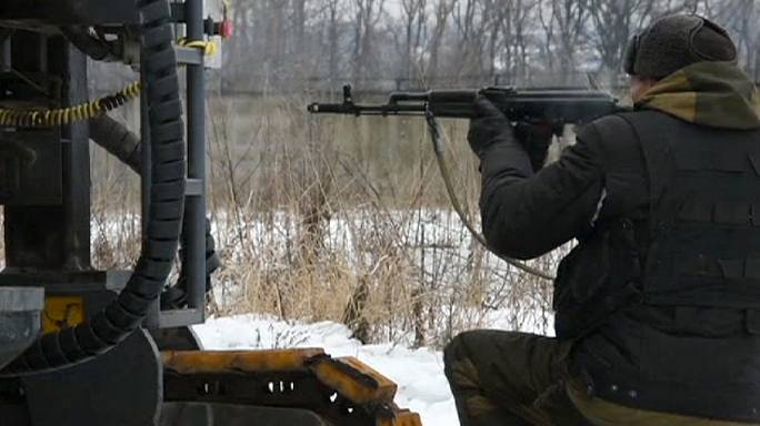 معارك طاحنة في مطار دونيتسك شرق أوكرانيا