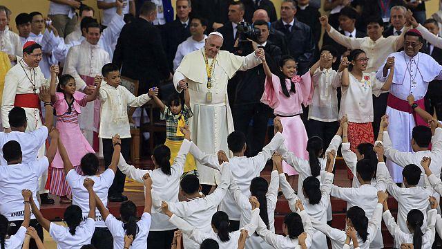 Папа Франциск не знает ответа на вопрос сироты из Манилы