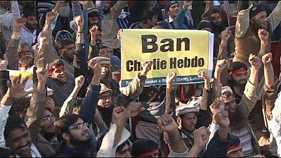 Thousands rally against Charlie Hebdo in Pakistan – nocomment