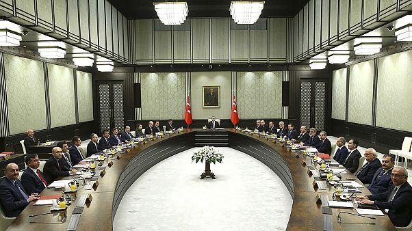 Elnöki vizit a török kormány ülésén
