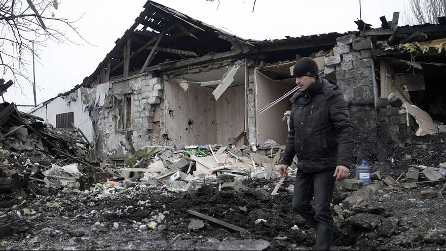 Dozens reported dead or injured as fighing continues in eastern Ukraine