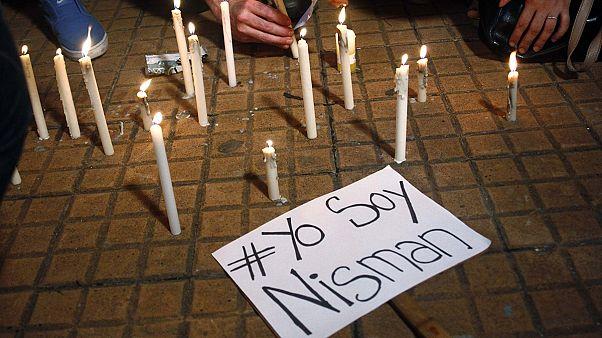 إحتجاجات في الأرجنتين بعد وفاة المدعي العام نيسمان بعدما اتهم الرئيسة كيرشنر بعرقلة التحقيق حول تورط إيران في تفجيرات 1994