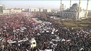 """Chechnya: Hundreds of thousands march against Charlie Hebdo """"immoral"""" cartoons"""