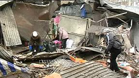 Zona residencial de Donetsk atingida por  bombardeamentos