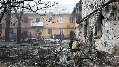 Moscovo nega ter enviado 700 militares para o leste da Ucrânia