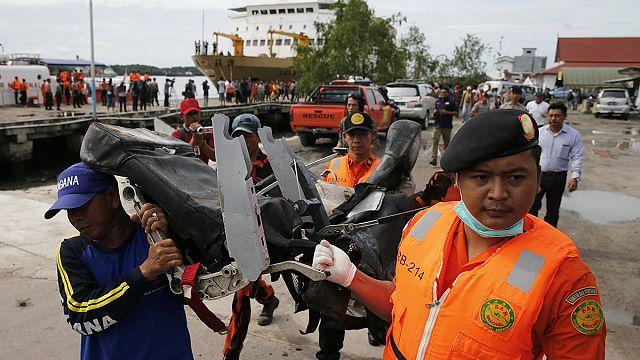 AirAsia flight recorder suggests abnormal climb and fall preceded crash