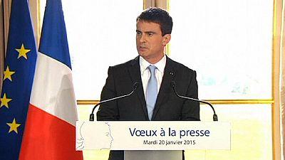 """Atentados de Paris revelam """"apartheid social"""" francês para Manuel Valls"""