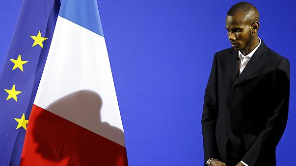 الشاب المالي لاسانا يُمنَح الجنسية الفرنسية
