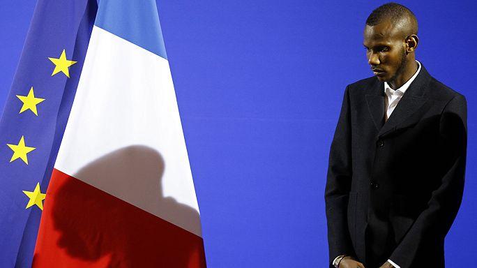 Le ''héros'' Lassana Bathily naturalisé français