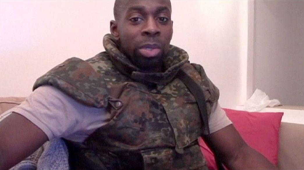 """Jornal """"Le Canard Enchaîné"""" revela que Coulibaly foi parado pela polícia dias antes  de cometer o massacre em Paris"""