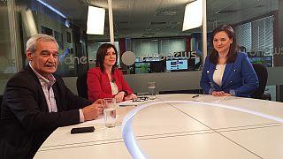 Η Άννα Ασημακοπούλου και ο Νίκος Χουντής στο προεκλογικό debate του euronews
