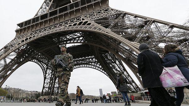 França reforça meios da polícia, justiça e prisões para lutar contra o terrorismo
