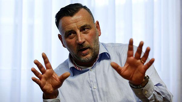 """Παραιτήθηκε ο """"α λα Χίτλερ"""" ηγέτης του αντιισλαμικού κινήματος Pegida"""