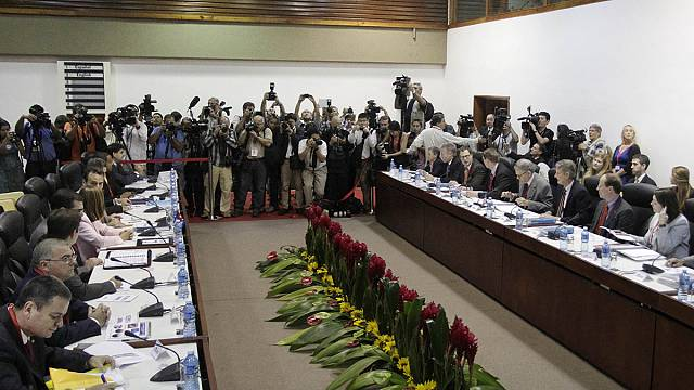 US and Cuba differ on migration policy on first day of talks