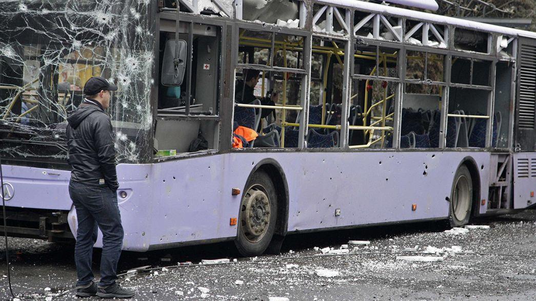 """Ucrânia: Mais um autocarro atingido por um """"rocket"""" em Donetsk"""