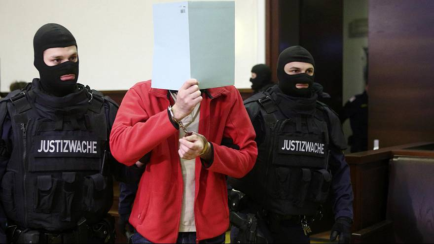 Chechen accused of fighting with ISIL goes on trial in Austria