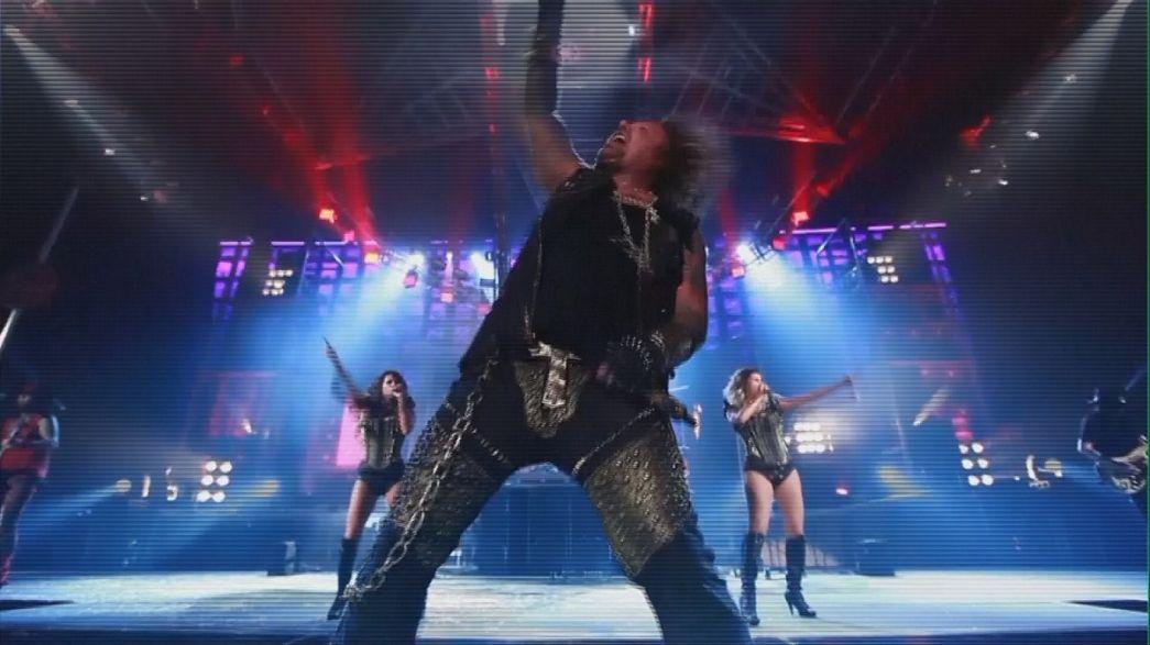 Mötley Crüe'den görkemli veda