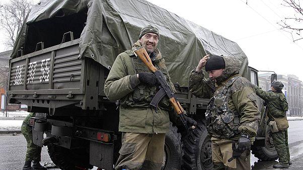 Ukraynalı askerler Donetsk Havaalanı'ndan çekildi